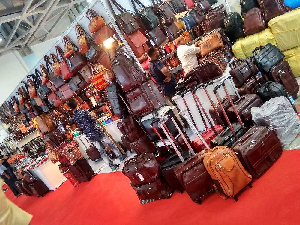 leather bag stall